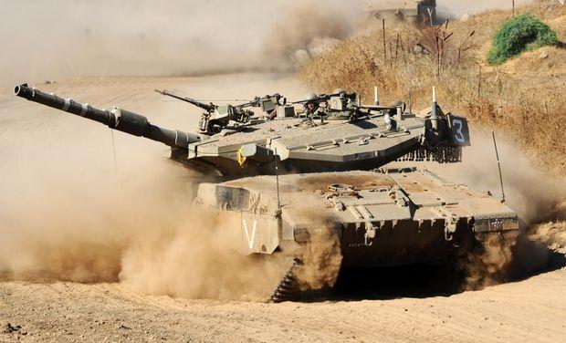 İsrail tankları Qəzza zolağına zərbələr endirdilər